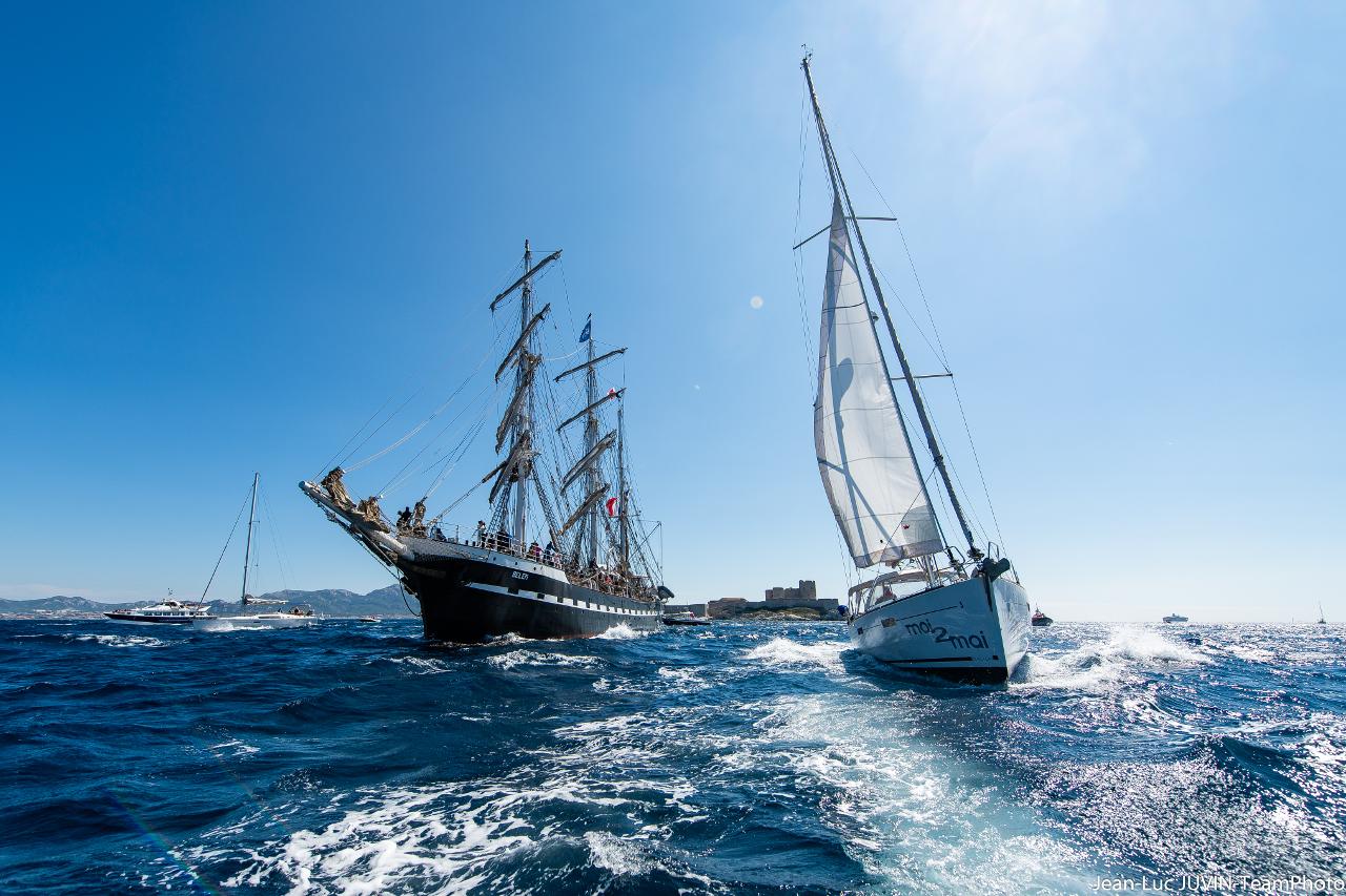 bateaux autours du Belem