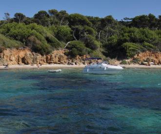 plage du Var eau turquoise